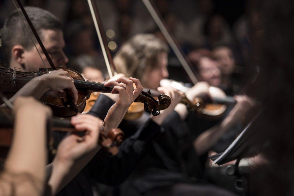 クラッシック音楽オーケストラ